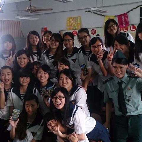 手遊廣告創舉!青春高中少女拍攝人氣《波可龍迷宮》廣告。華義提供百萬廣告拍攝金