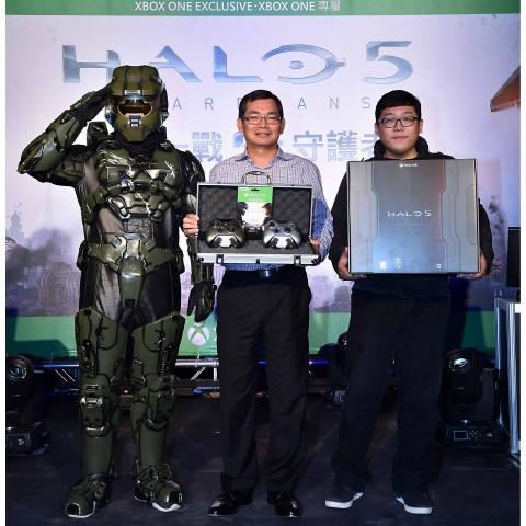 Halo 5:Guardians上市派隊搶先登場,今日全球同步上市