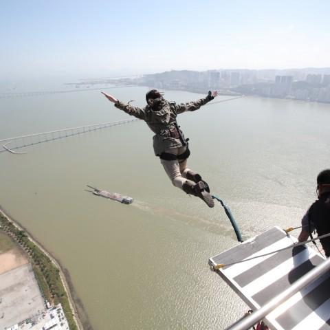 《古墓奇兵:崛起》蘿拉Coser登全球最高高空彈跳台再和玩家互動破冰