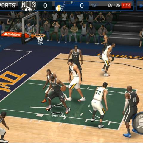 NBA LIVE Mobile 勁爆美國職籃:實際操作球員感受球場的氣氛