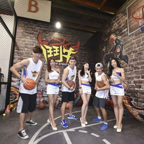 【2017TpGS】全新籃球競技手遊《鬥牛》上線   美式街頭籃球場 引爆電玩展熱潮