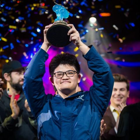 歷史時刻,台灣選手奪冠!tom60229 奪下2017《爐石戰記®》HCT世界總決賽冠軍!