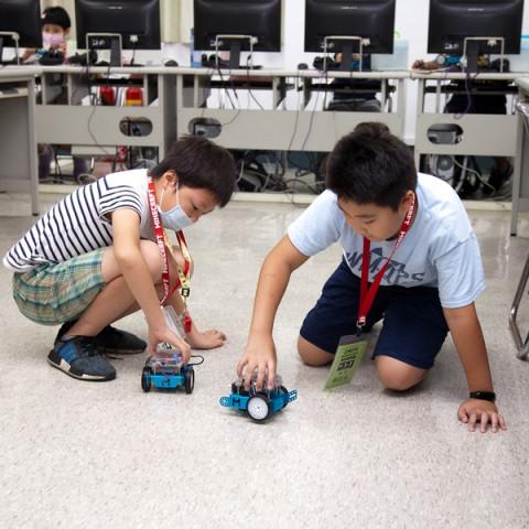 2021夏令營課程「STEAM創客機器人」讓mBot機器人聽你的話!